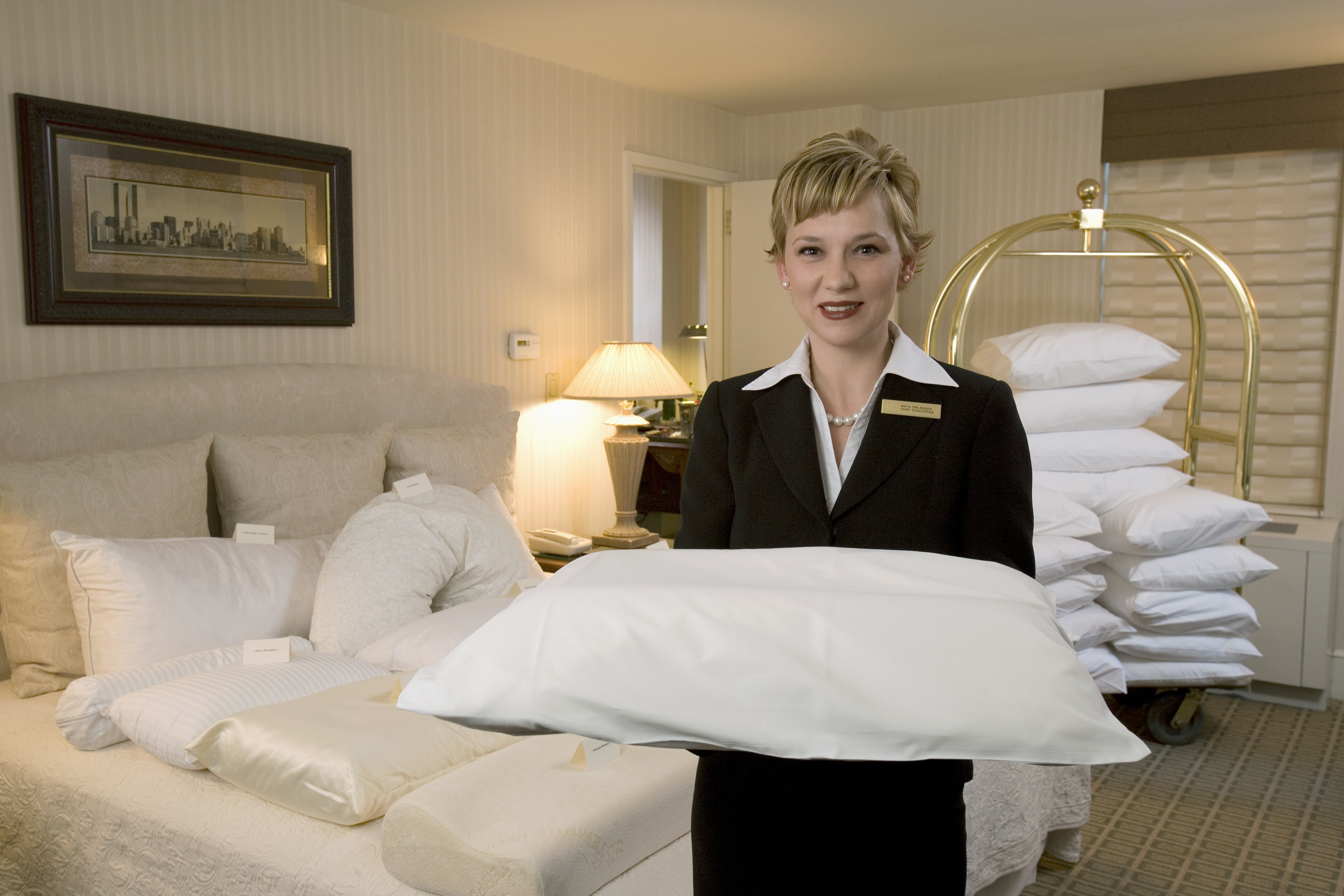 Pillow concierge anya orlanska at the benjamin hotel new york michael nassar - Uniforme femme de chambre hotel ...